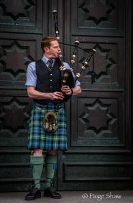 Bagpiper Edinburgh