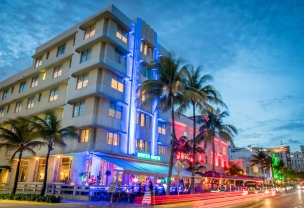 south-beach-miami-neon-night