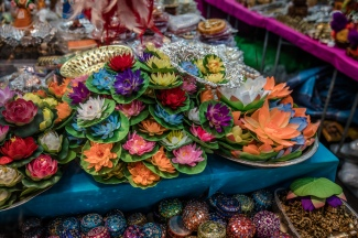 little-india-market-colorful-lotus-singapore