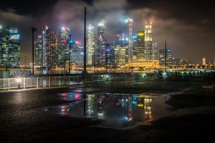 marina-bay-puddle-reflection-night-photography-singapore