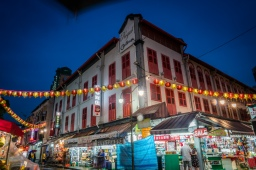 royal-chinatown-singapore-night-photography