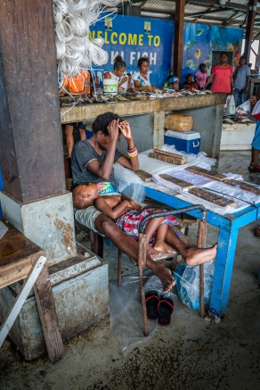 sleeping-kopi-fish-market-port-moresby-png