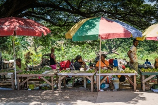 street-market-port-moresby-papua-new-guinea