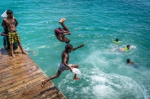 swimming-dock-jumping-flips-kopi-port-moresby-png