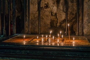 candles-downstairs-holy-sepulchre-jerusalem