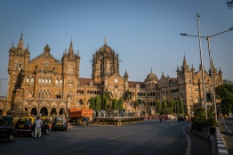 chhatrapati-shivaji-maharaj-train-station-mumbai-india