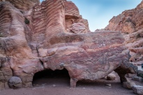 colorful-rocks-petra-jordan