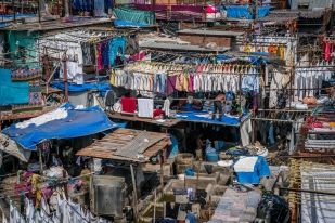 dhobi-ghat-open-air-laundromat-clothing-mumbai-india