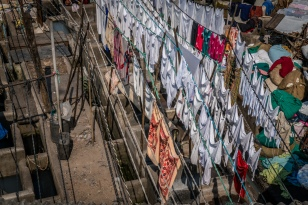 dhobi-ghat-sheets-laundry-mumbai-india
