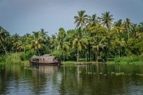 houseboat-alleppey-vembanad-lake-backwaters-kochi-india