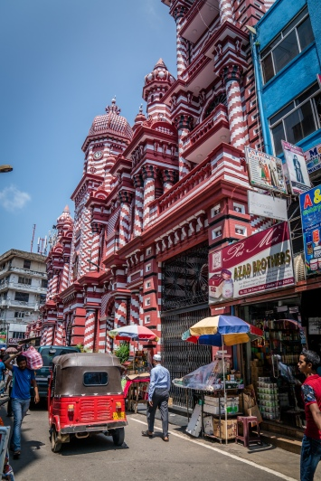 red-white-mosque-colombo-sri-lanka