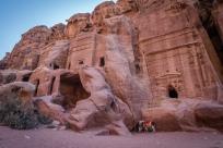rock-cave-donekys-petra-jordan