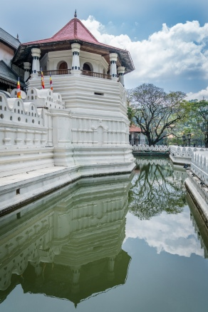 tooth-temple-refection-kandy-sri-lanka