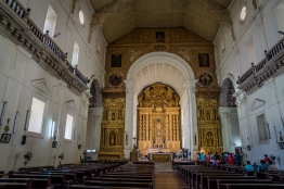 unesco-world-heritage-church-interior-goa-india
