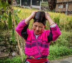 yao-woman-long-hair-dazhai-guilin-china-35