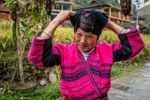 yao-woman-long-hair-dazhai-guilin-china-43