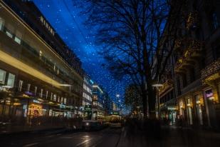 bahnhofstrasse-twinkling-lights-nightscape-zurich