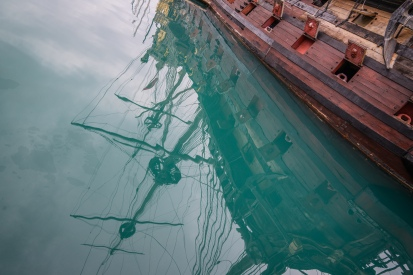 ship-reflection-genoa-italy