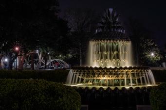 pineapple-fountain-waterfront-park-charleston