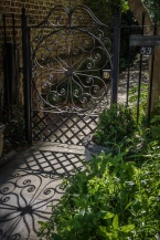 shadow-iron-gate-charleston